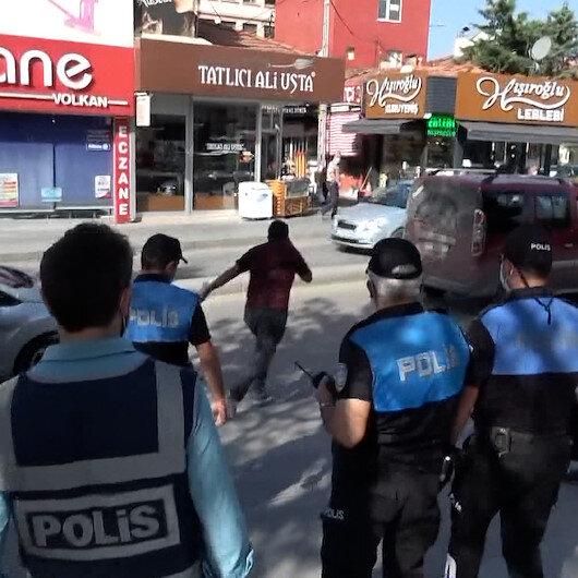 Çorumda maske takmayan kişi polisi görünce kaçtı