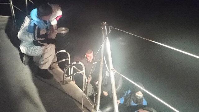 Marmaris'te 14 kaçak göçmen kurtarıldı