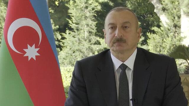 Aliyev Baküde neden Rusya bayrağı yok ve Türk bayrağı çok diyen Rus muhabire tane tane anlattı