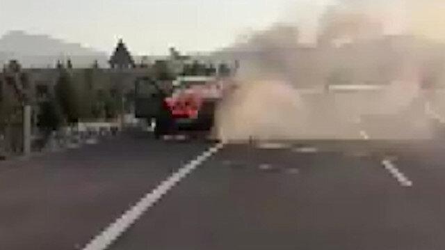 Ankarada seyir halindeki araç alev alev yandı