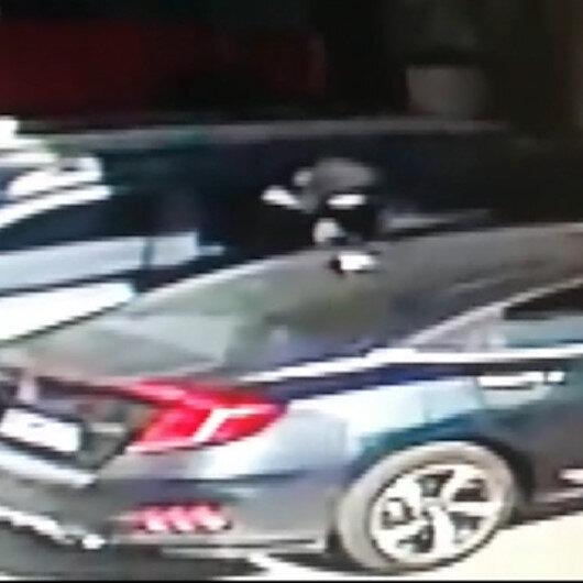 İzmirde otomobilden 150 bin liranın çalındığı anlar güvenlik kamerasında