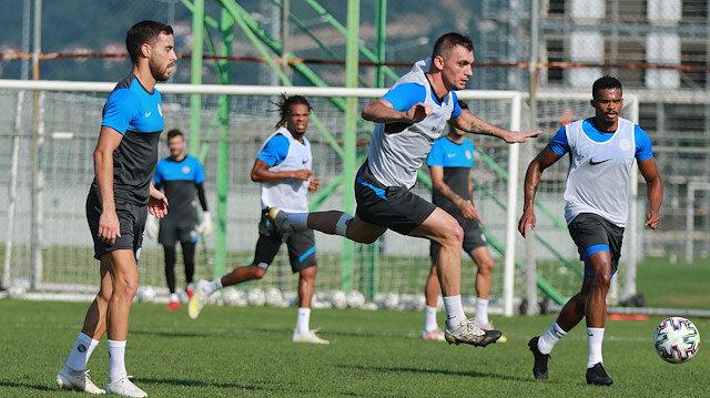 Süper Lig'de vaka sayısı artıyor: Rizespor'da 2 futbolcunun koronavirüs testleri pozitif çıktı