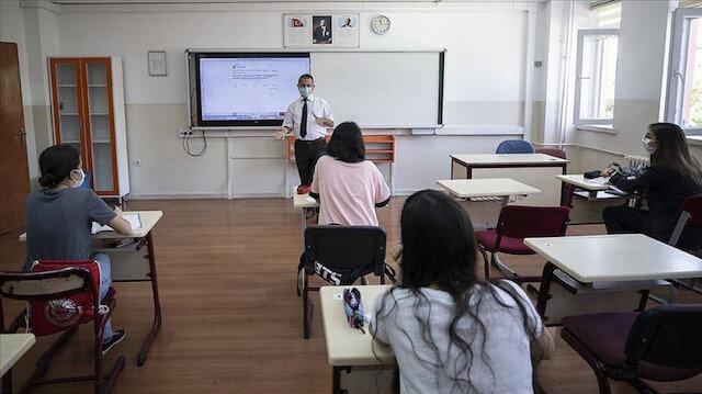 Bilim Kurulu Üyesi: Diğer sınıflar ve üniversitelerin açılması da gündeme gelebilir