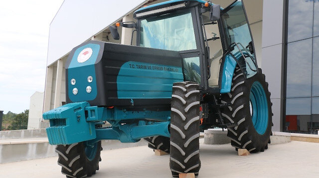 Tarım ve Orman Bakanı Bekir Pakdemirli duyurdu: İlk elektrikli traktör, seri üretime hazır