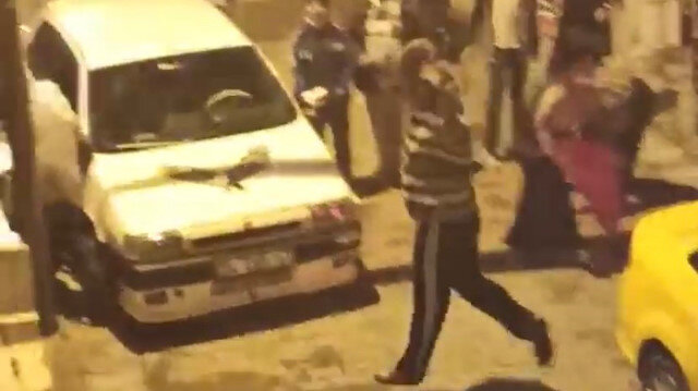Kağıthane'de sandalyeli kovalı 'çocuğumu dövdün' kavgası