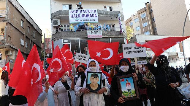 Şırnak annelerinin HDP önündeki eylemi zılgıtlar eşliğinde bastırılmak istendi