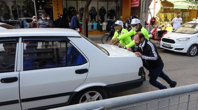 Tokat'ta yolda kalan otomobili polis müdürü itti