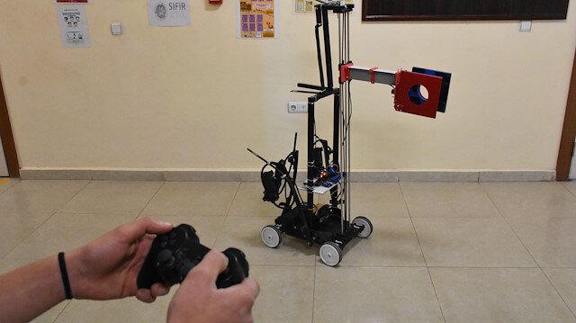 İlaçları robotlar dağıtıyor, hastalarla temas sıfıra iniyor