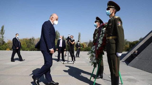 Yunanistan Dışişleri Bakanı Dendias'tan sözde soykırım anıtına ziyaret