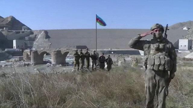Azerbaycan Cumhurbaşkanı Aliyev: Tarihi Hudaferin Köprüsü'ne Azerbaycan bayrağı dikildi