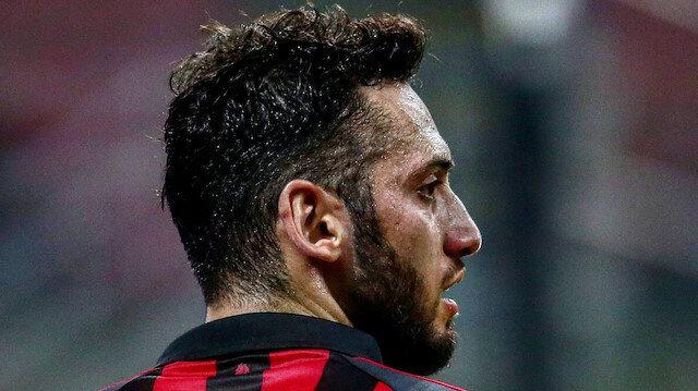 Milan'ın yıldızı Hakan Çalhanoğlu idman sahasını koltuk değnekleriyle terk etti