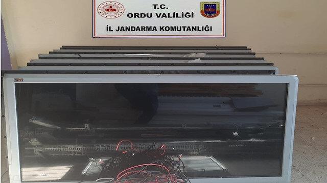 Pes dedirten hırsızlık: Okuldaki 400 bin liralık 'akıllı tahtaları' çaldılar