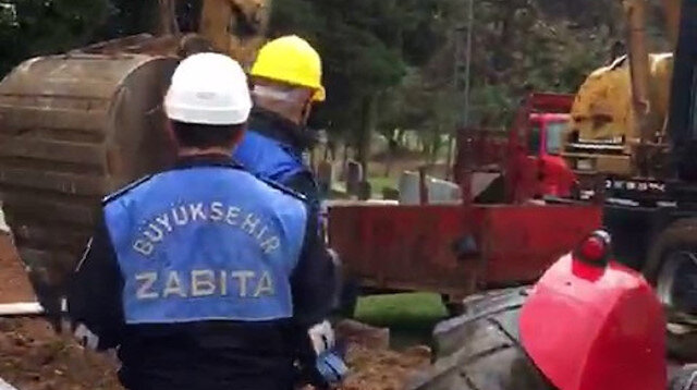 İBB'den büyük skandal: Pendik'teki köyün mezarlıklarını iş makineleriyle talan ettiler