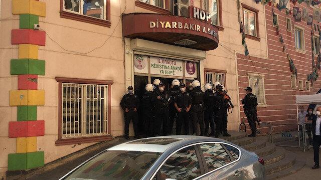 Diyarbakır'da HDP İl Binası'na operasyon: Gözaltına alınanlar var