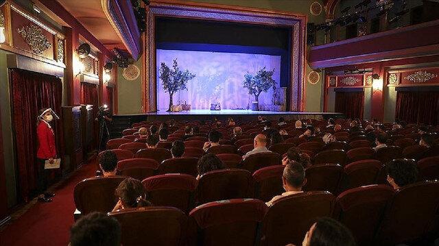 Özel tiyatrolara müjde: Devlet tiyatrolarının sahneleri onlar için açılacak