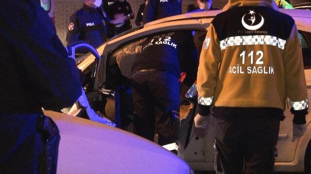 İki araç kafa kafaya çarpıştı: Beş kişi yaralandı