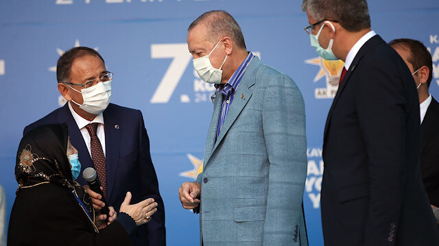Safiye Teyze'nin Cumhurbaşkanı Erdoğan'a sözleri gülümsetti: Damadına benim için bir sarıl