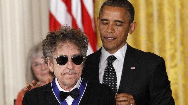 Dünyadaki en ünlü kağızmanlı    muhalif: Bob Dylan