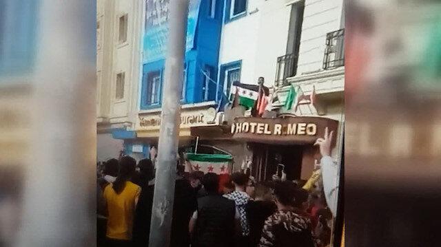 İslam ve Hz. Muhammed karşıtı Fransa bayrakları, Suriyeliler tarafından otellerden indirildi