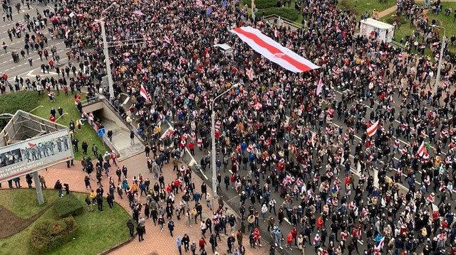 Belarus sokakları yeniden karıştı