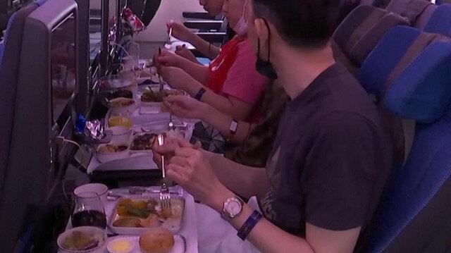 Singapur Havayolları'ndan uçak yemeğini özleyenlere ilginç çözüm