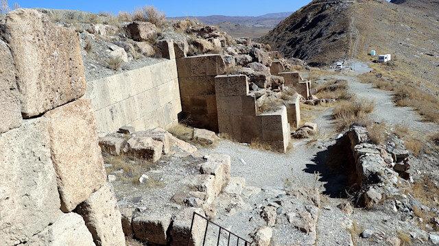 Urartular'ın 2 bin 750 yıl önce TOKİ tekniğini kullandığı ortaya çıktı: Deprem için özel teknik