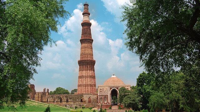 İslâm'ın zafer anıtı: Kutub Minar