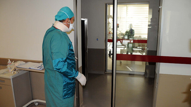 Kayseri'de pandemi ile mücadele eden doktorun büyük acısı: Babası koronavirüsten hayatını kaybetti