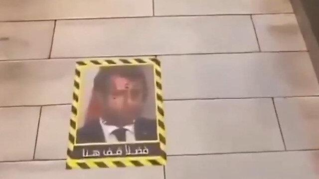 Kuveyt'te bir restoran yerleri Macron'un fotoğrafıyla