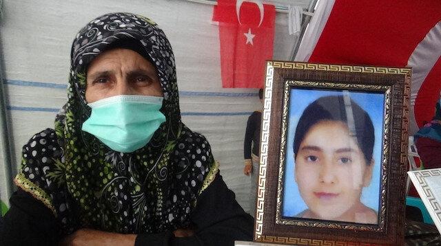 Evlat nöbetindeki ailenin yürek dağlayan hikayesi: 15 yaşındaki kızı dayısı ile teyzesi PKK'ya satmış