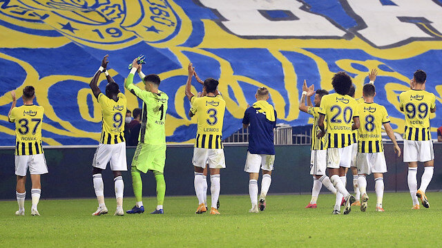 Fenerbahçe'ye transfer olacağını öğrenince ailesiyle gözyaşlarına boğuldu