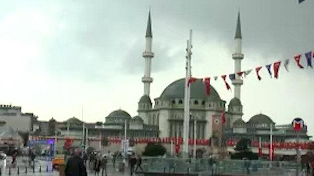 Taksim'de yağmur başladı