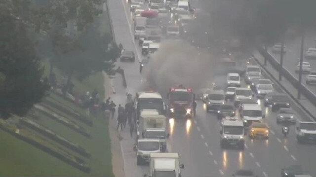 Kavacık'ta yolcu dolu otobüs alev alev yandı