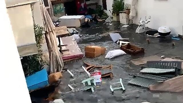 İzmir'de ürküten görüntü: Depremin ardından oluşan tsunami cadde ve sokakları vurdu
