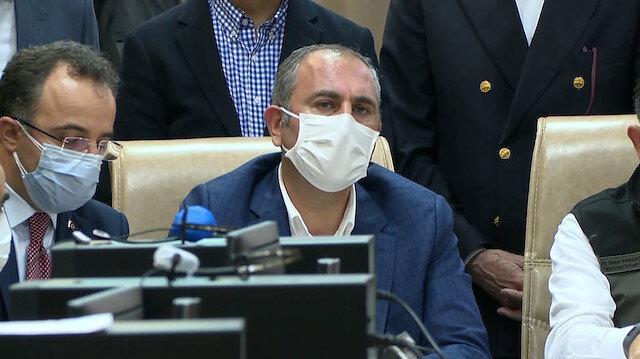 Adalet Bakanı Gül: Enkaz altından Buse kızımız çıkarılıyor