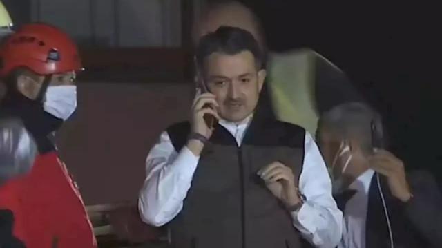 Bakan Pakdemirli enkaz altındayken telefonla konuştuğu Buse Hasyılmaz'ı ziyaret etti: Nikah şahidi olacağım