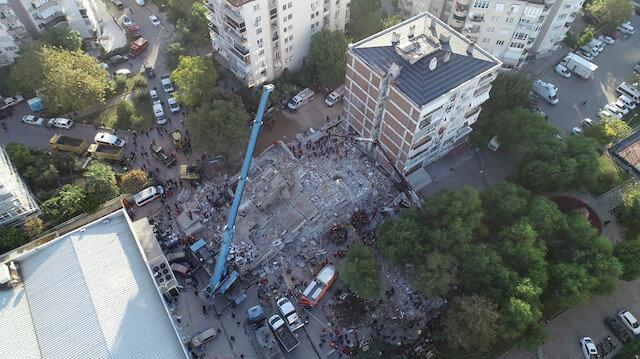 23 saat sonra gelen mucize kurtuluş: İzmir'deki depremde yıkılan Doğanlar Apartmanı enkazından anne ve 3 çocuğu çıkarıldı