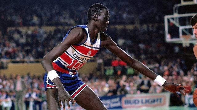 """Sudan'dan NBA'ye çok """"uzun"""" bir hikaye: Mr. Blok; Manute Bol"""