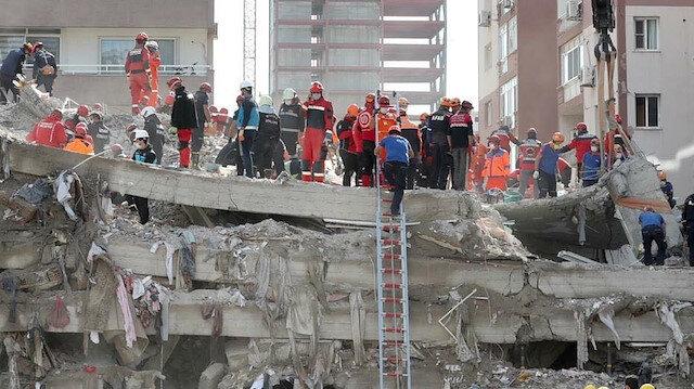 İzmir'deki depremde yıkılan binaların müteahhit ve fenni mesullerine gözaltı
