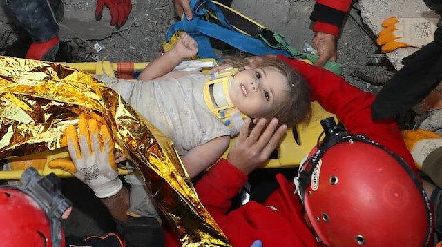 Rıza Bey Apartmanı'nda 91. saatte umutlar yeşerdi: 4 yaşındaki Ayla Gezgin canlı olarak çıkarıldı