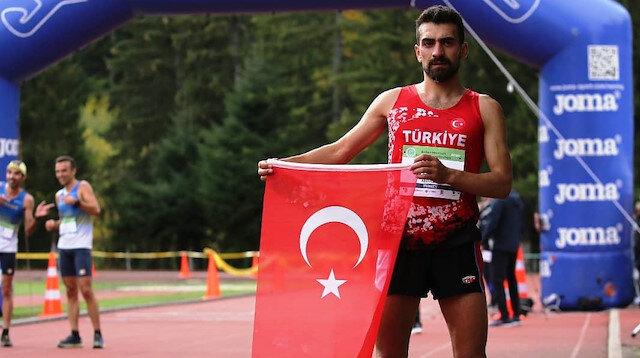 Gümüşhaneli gencin büyük başarısı: Köyünde koşmaya başladı, atletizmde şampiyon oldu