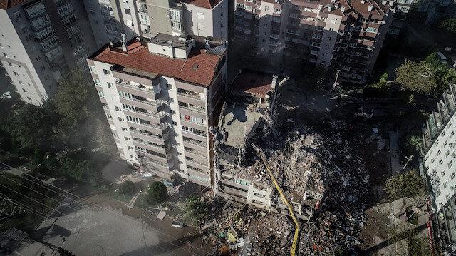 İzmir'de yıkılan bina ile ilgili şoke eden iddia: Duvarlar ve kolonlar yıkılarak dükkanlar birleştirildi