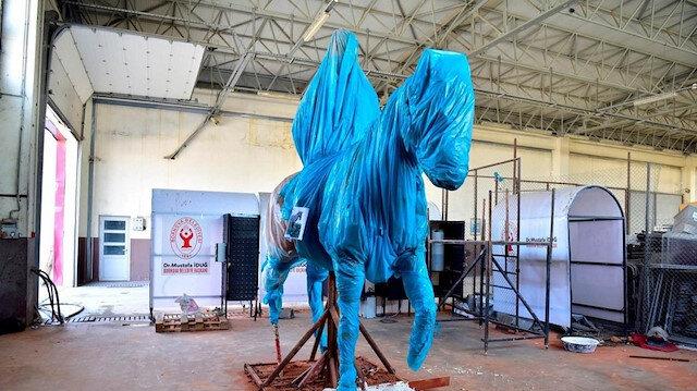 CHP'li Bornova Belediyesi'nden İzmir'e yeni Atatürk heykeli