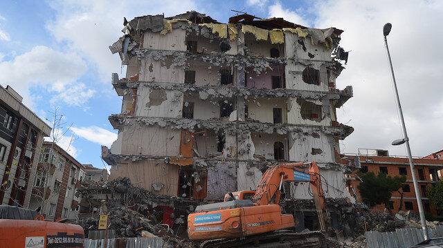 '99 depreminde hasar görmüşlerdi: 241 binanın yıkımı için son bir ay