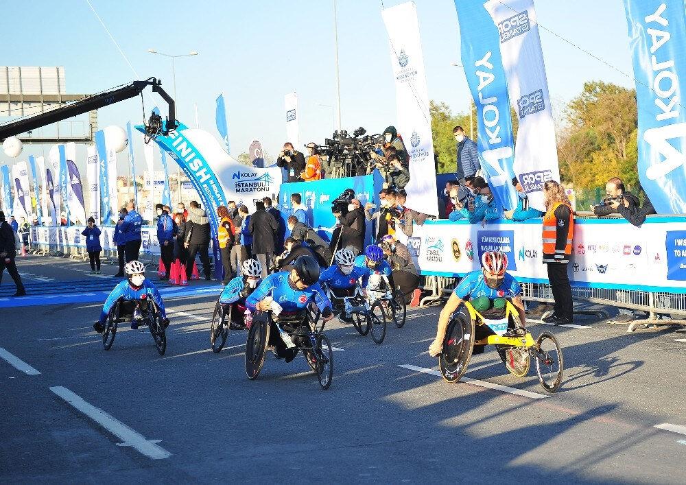 Organizasyon paten ve tekerlekli sandalye yarışları ile başladı.