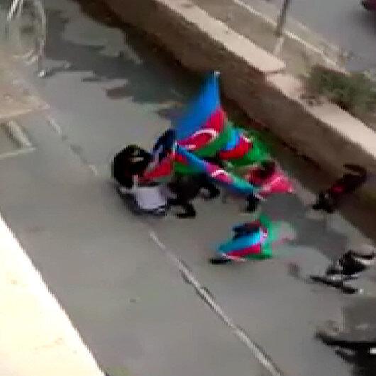 Azerbaycanda Şuşanın Ermenistan işgalinden kurtarılmasını kutlayan genç grup şehit annesinin ayağını öptü