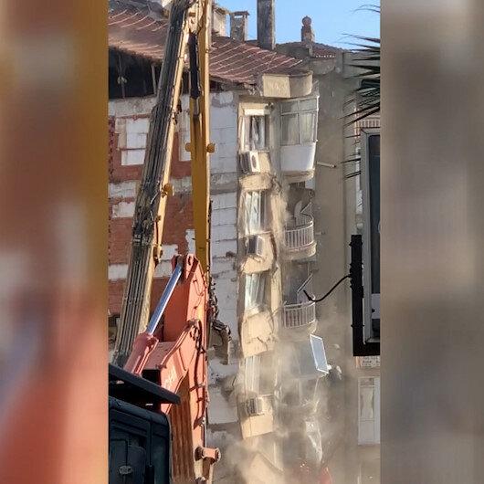 İzmir Bayraklıdaki kontrollü yıkım sırasında bina bir anda çöktü