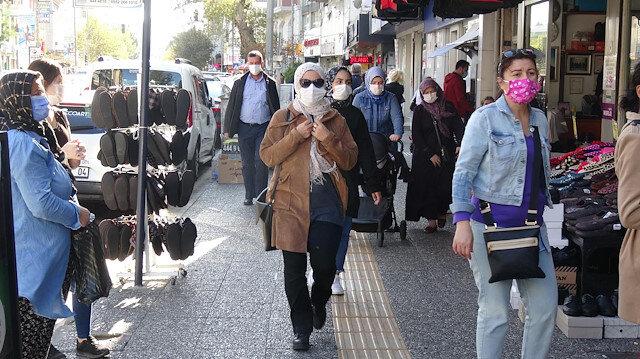 Balıkesir'de sokakta sigara içilmesi yasaklandı, 65 yaş ve üzerine kısıtlama getirildi