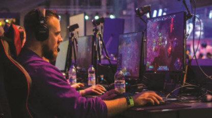 2011 yılında kurulan Twitch, dünyanın en iyi oyuncularının ve yayın yapmak isteyen kişilerin insanlarla iletişim kurduğu bir yer olarak ifade ediliyor.