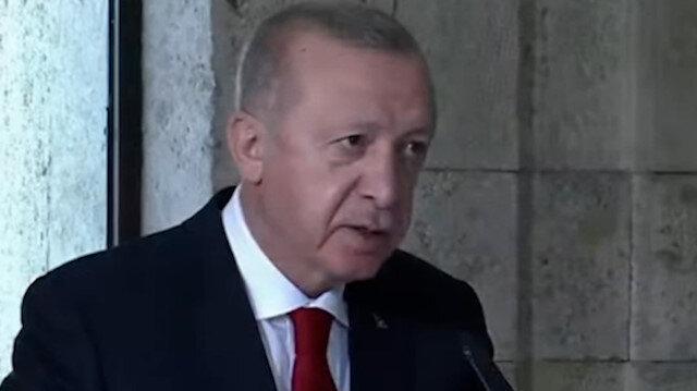 Cumhurbaşkanı Erdoğan Anıtkabir Özel Defteri'ni imzaladı